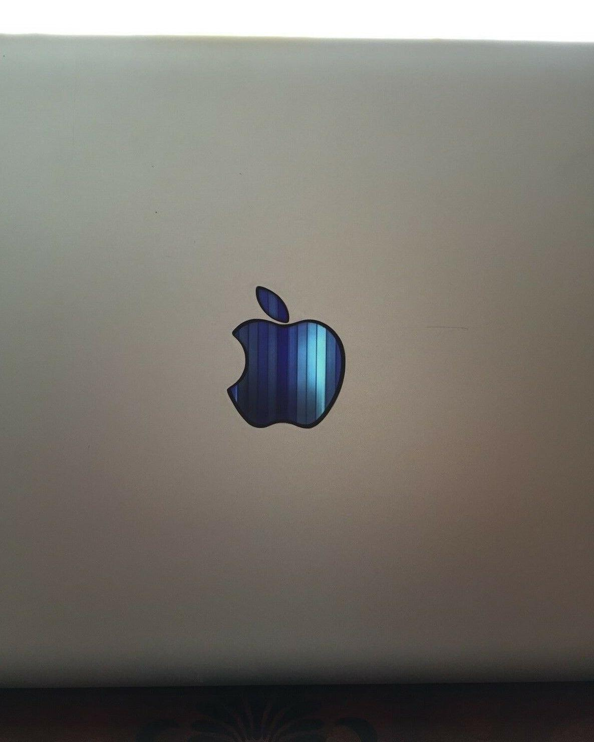 GLOWING MacBook 11 to 17in